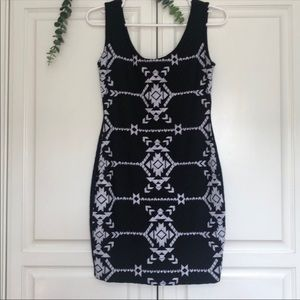Black and White sleeveless dress size small